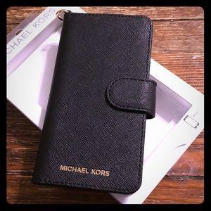 🖤NWT Michael Kors Black iPhone 7/8 Leather Case🖤